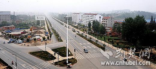 南漳县经济总量_南漳县巡检镇卞和石象